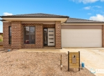 20431-8ChablisCourtWaurnPonds01